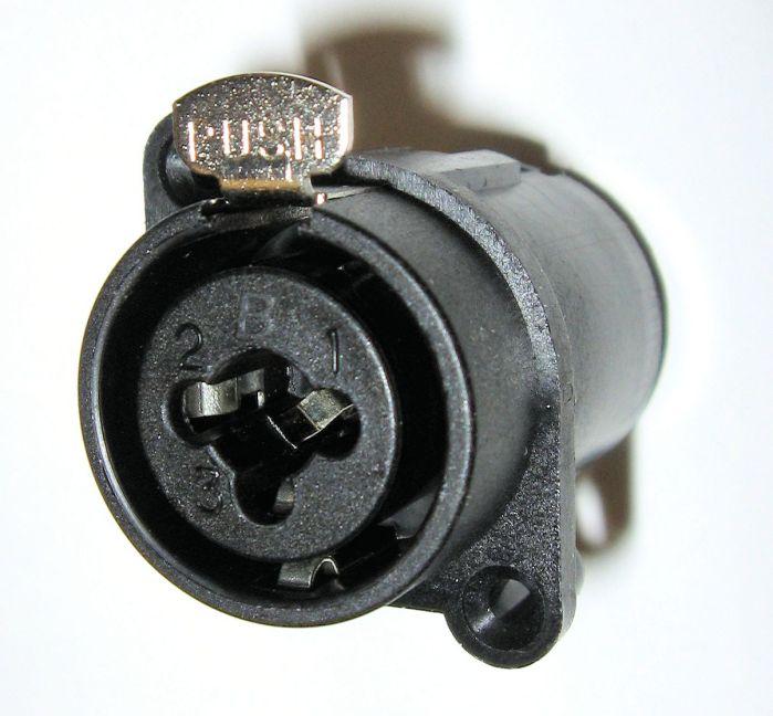 XLR-phone_jack_combo_connector